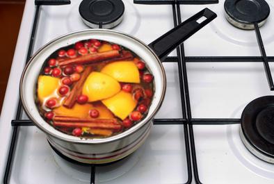 5 DIY Potpourri Recipes – How to Make Your House Smell Good!