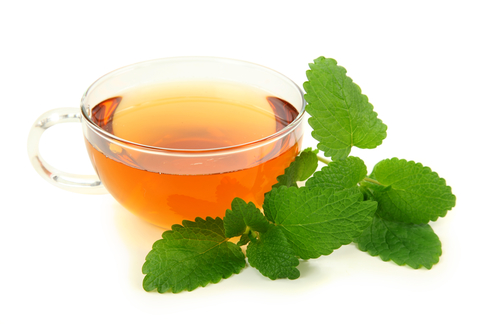 5 Lemon Balm Uses for Your Health: Relieve Anxiety, Improve