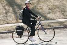 The Healthy Commute: Walking and Bike Riding to Lose Weight and Reduce Stress