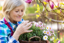 Early Sign of Dementia? Declining Sense of Smell May Be a Red Flag