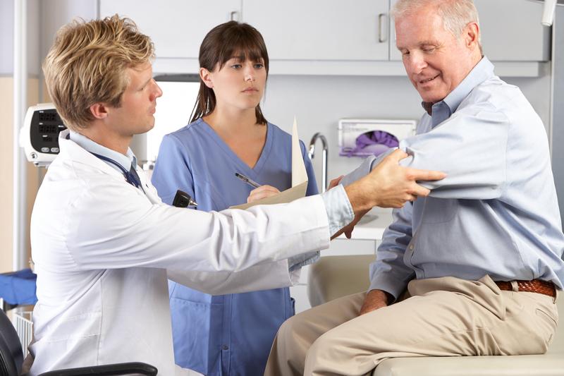 Осмотр ревматологом