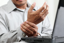 man suffering from carpal tunnel syndrome