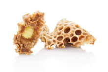 Royal jelly combs that offers health benefits