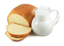 White bread is an example of one food to avoid with heartburn